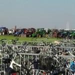 fietsen en trekkerstalling bij de Trekkertrek